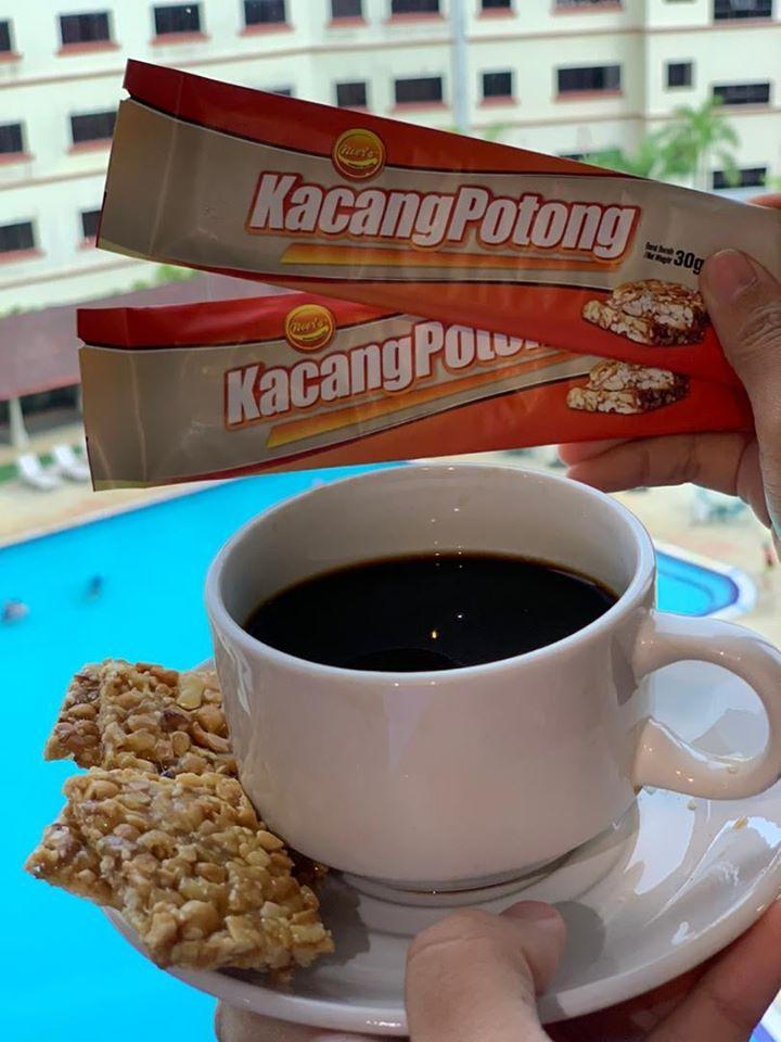 Door gift kacang potong boleh makan bersama kopi
